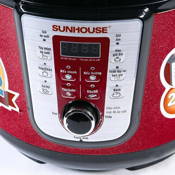 Nồi áp suất điện đa năng Sunhouse SHD-1757 bảng điều khiển
